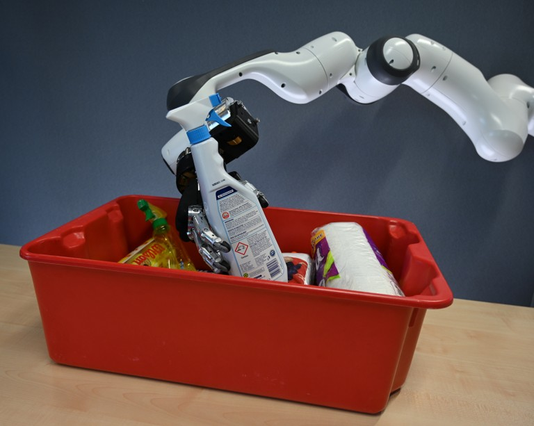 Right click to download: Roboterarm