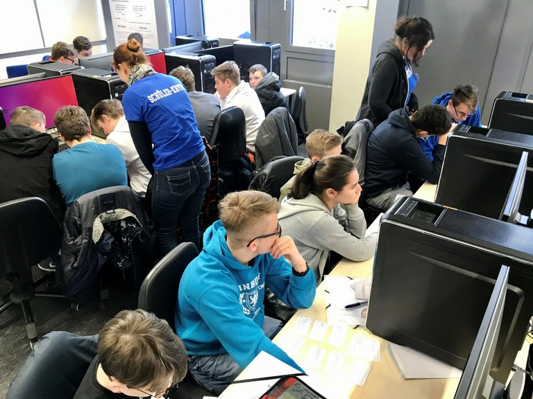 Right click to download: Schüler-Kryto 2020: Experimente am PC